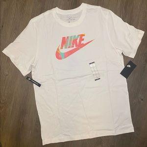 Nike Summer Tee. Men's L